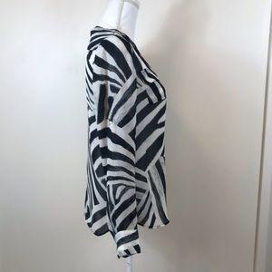 Banana Republic Tops - Banana Republic long sleeve blouse size XS